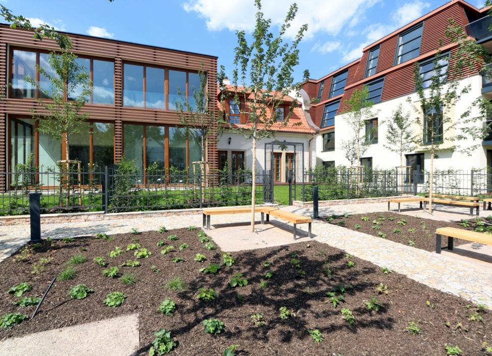 Luxusní byt se zahradou Troja 60m 0