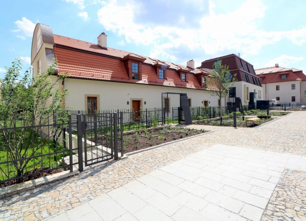 Luxusní byt se zahradou Troja 233m 1