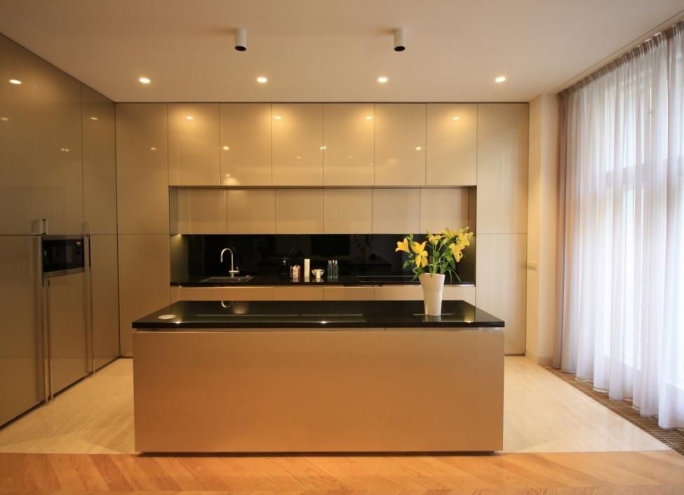 Luxusní byt s balkonem 159m 0