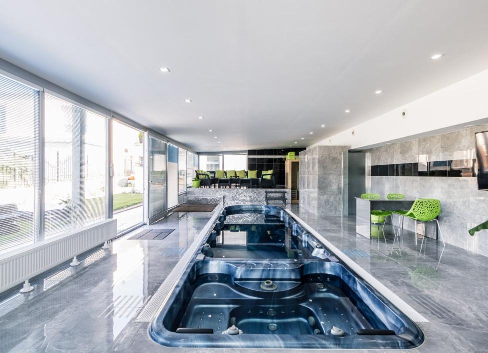 Luxusní dům s wellness 774m 1