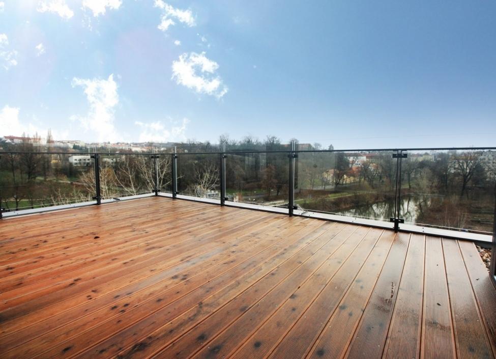 Luxusní byt s terasami s výhledem na řeku 178m 0