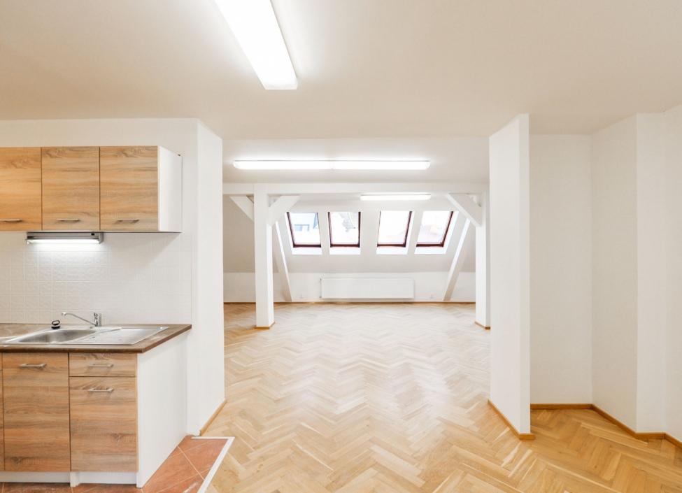 Kancelář k pronájmu, Praha 10 - 150m 1