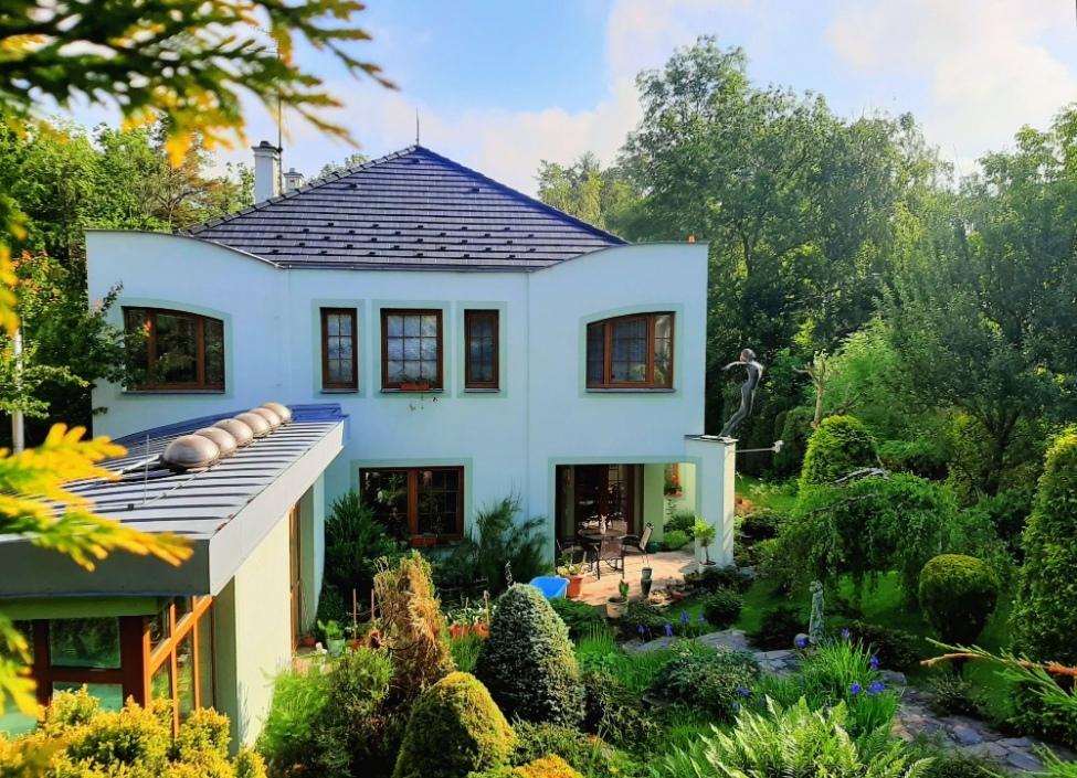 Vila na prodej s luxusním pozemkem v Praze 0