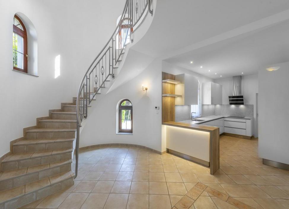 Luxusní rodinná vila na pronájem - Praha 6 - Nebušice 1