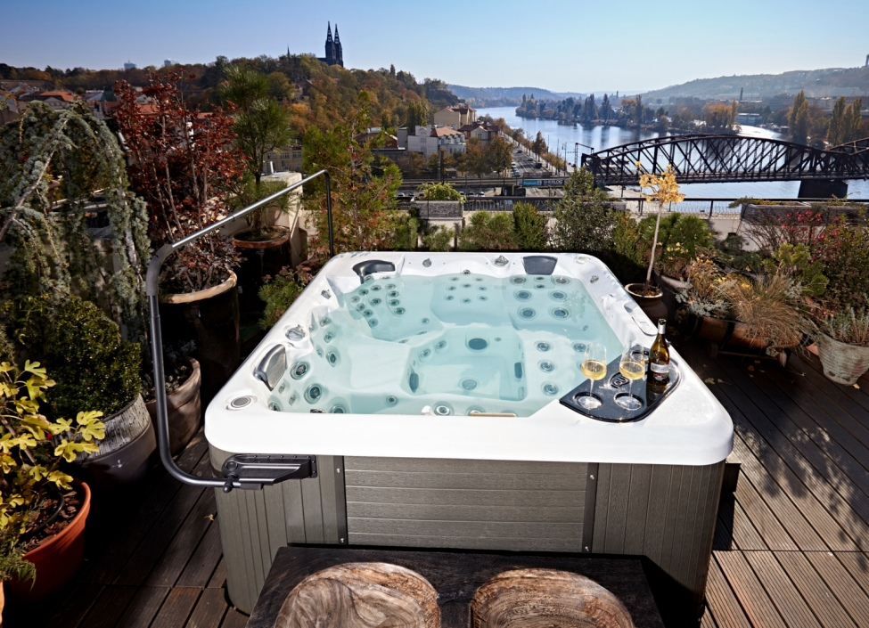 Luxury apartment for rent with a view of Vysehrad 600m 0
