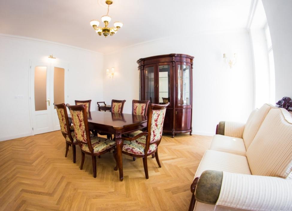 Luxusní byt u Letenských sadů, 34m 1