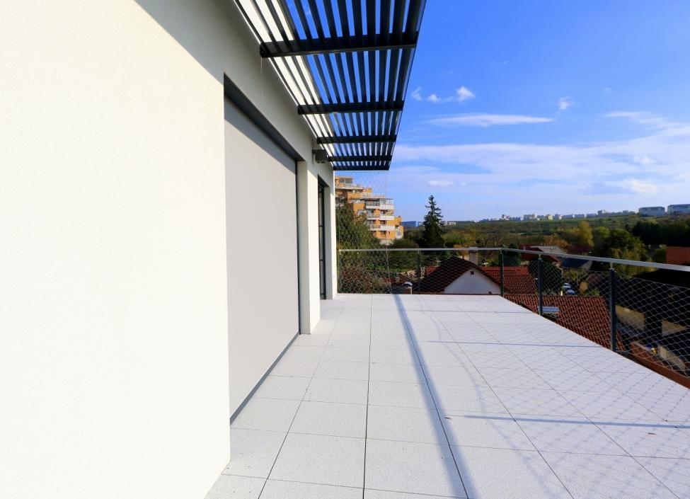 Luxusní byt s terasou na pronájem Praha 10 - 117m 0